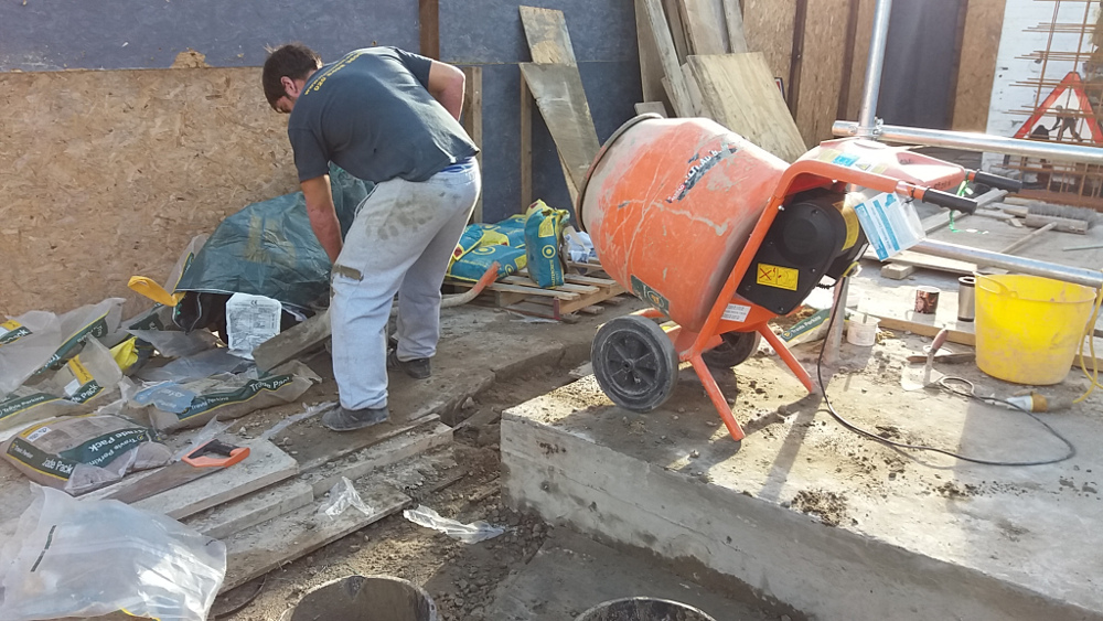 mixing waterproof concrete on site
